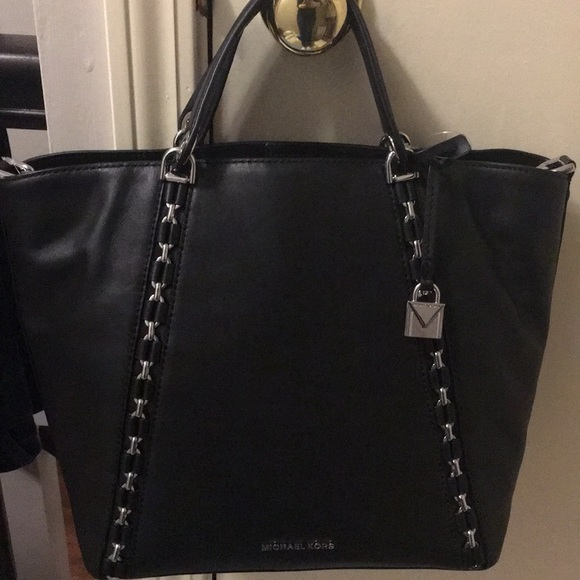 7370c9ad9a565e Michael Kors Bags | Sadie Md Grab Leather Bag | Poshmark